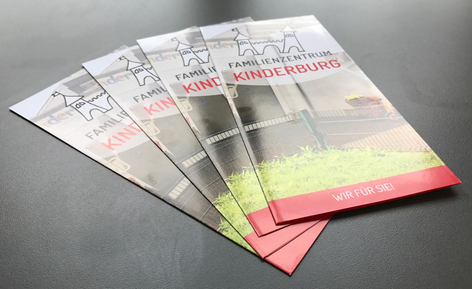 Neue Faltblätter für die Kinderburg